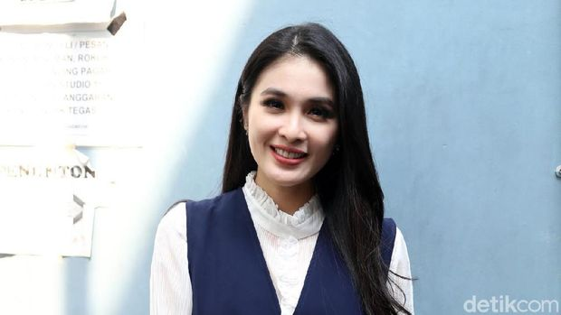 Hamil Anak Kedua, Sandra Dewi Baru Punya Stretch Mark