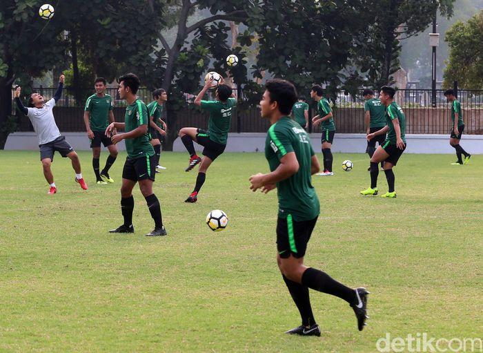 Timnas U-19 jalani sesi latihan jelang laga pertama Piala Asia.