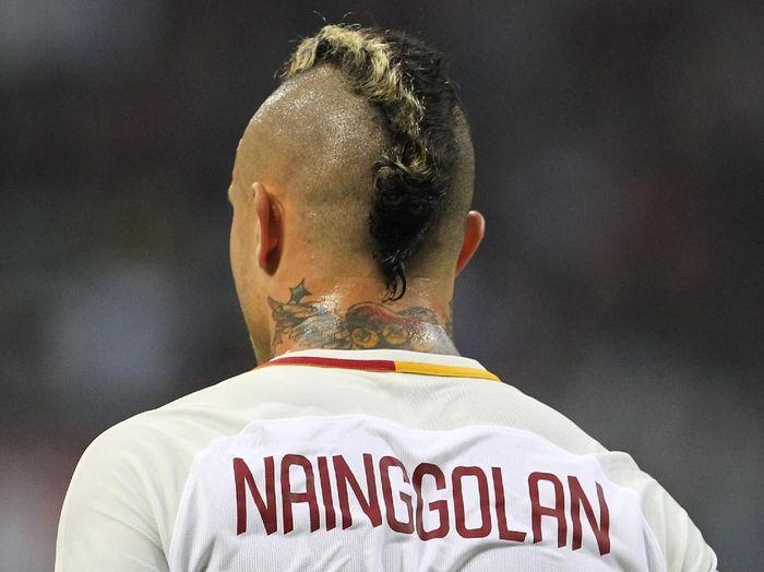 Radja Nainggolan kecewa dengan perlakuan AS Roma. (Foto: Marco Luzzani/Getty Images)