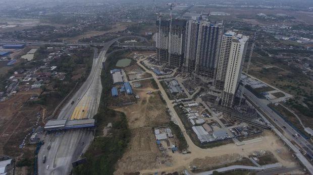 Foto aerial pembangunan gedung-gedung apartemen di kawasan Meikarta, Cikarang, Kabupaten Bekasi, Jawa Barat, Selasa (16/10).