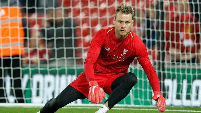 Simon Mignolet tak pusingkan rumor masa depannya di Liverpool (Andrew Yates/Reuters)