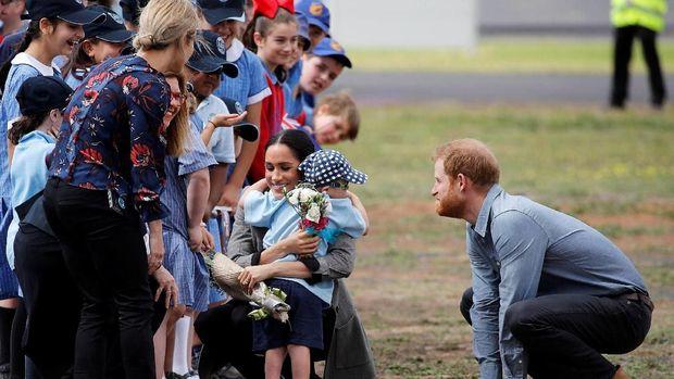 Kedekatan Pangeran Harry dengan anak-anak/