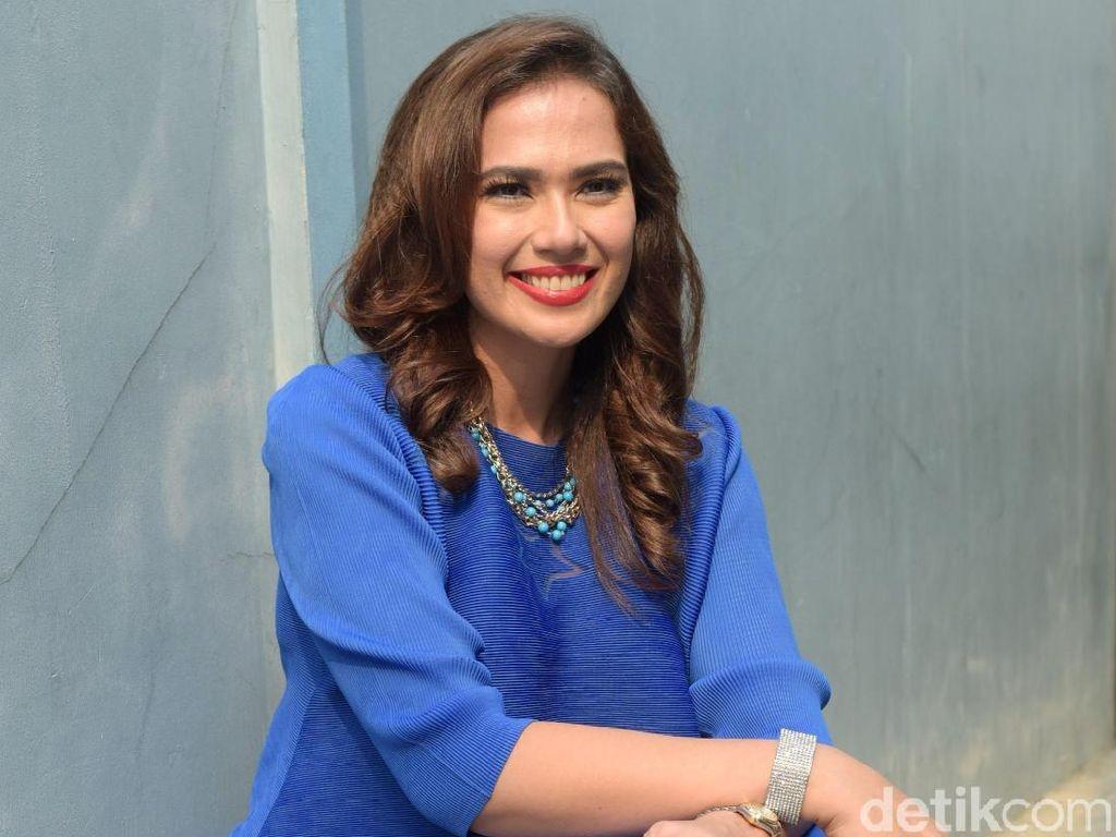 Catherine Wilson Senyum-senyum Sendiri, Manajer: Bukan Pengaruh Obat