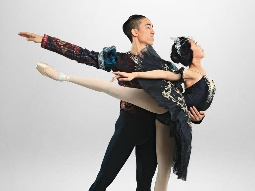 Kisah Balet The Swan Lake tentang Cinta Bisa Bebaskan Kutukan