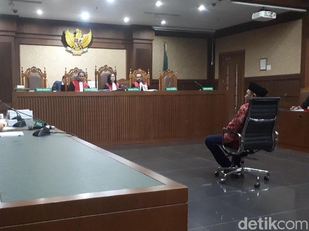 Terima Suap, Anggota DPRD Lampung Tengah Divonis 4 Tahun Bui