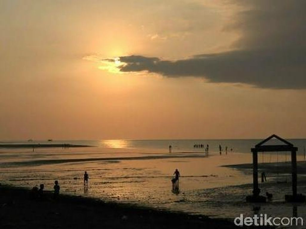 Foto: Sunset nan Syahdu di Pantai Duta