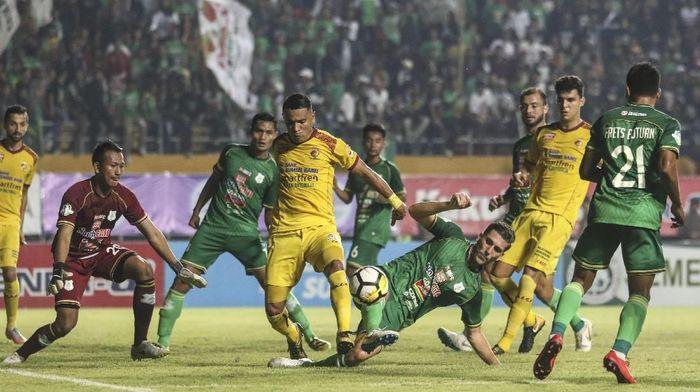 PSMS Medang menang 3-0 atas Sriwijaya FC dalam lanjutan kompetisi Liga 1 2018. (Foto: Nova Wahyudi/ANTARA FOTO)