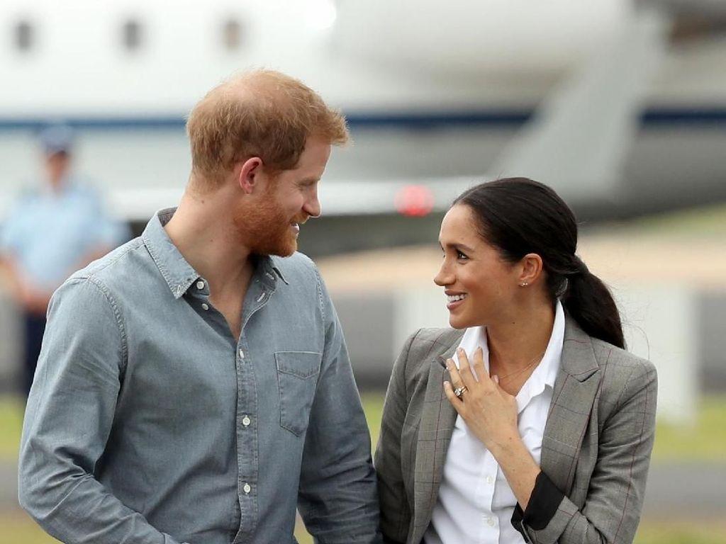 Potret Romantis Pangeran Harry-Meghan Markle Saat Tur Kerajaan