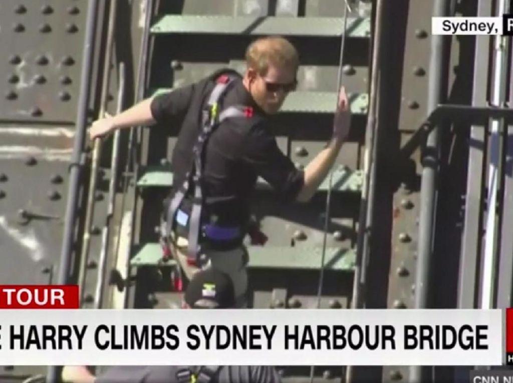 Kamu Ingin Mendaki Sydney Harbour Bridge Seperti Pangeran Harry?