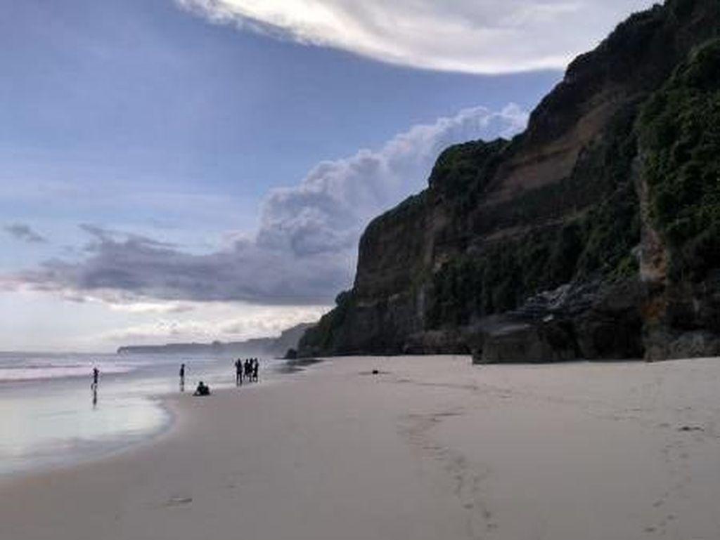 Pantai Bawana, Potongan Surga Kecil dari Sumba