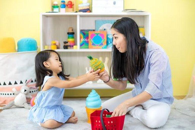 Tiga Cara Pintar Orang Tua Dukung Fondasi Belajar Si Kecil
