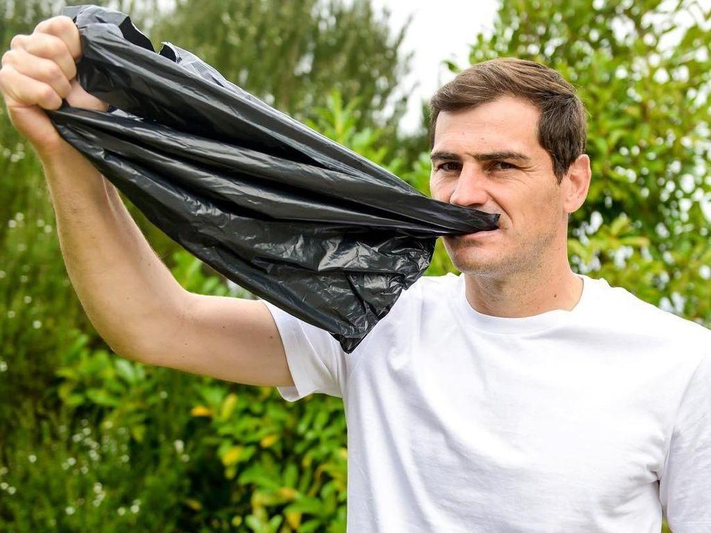Casillas, Fabregas, dan Para Pesepakbola Top di Tantangan Makan Plastik
