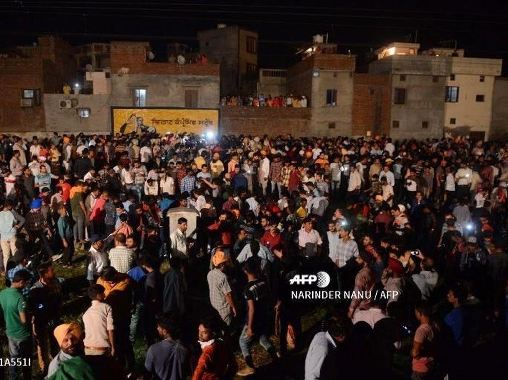 Video: Kereta Tabrak Kerumunan Orang di India, 59 Tewas