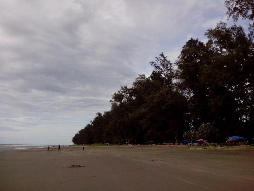 Bahagia Itu Sederhana, Main ke Pantai Ujung Batee Banda Aceh
