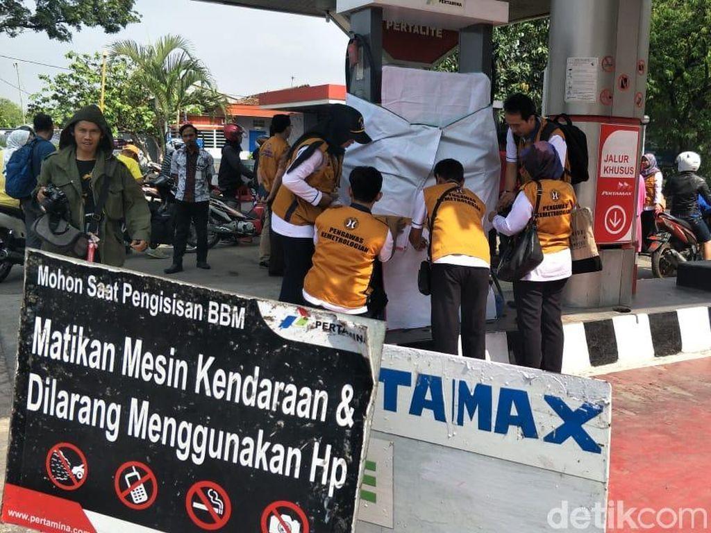 Kurangi Meteran, Mesin BBM SPBU di Jalan Riau dan Kircon Disegel