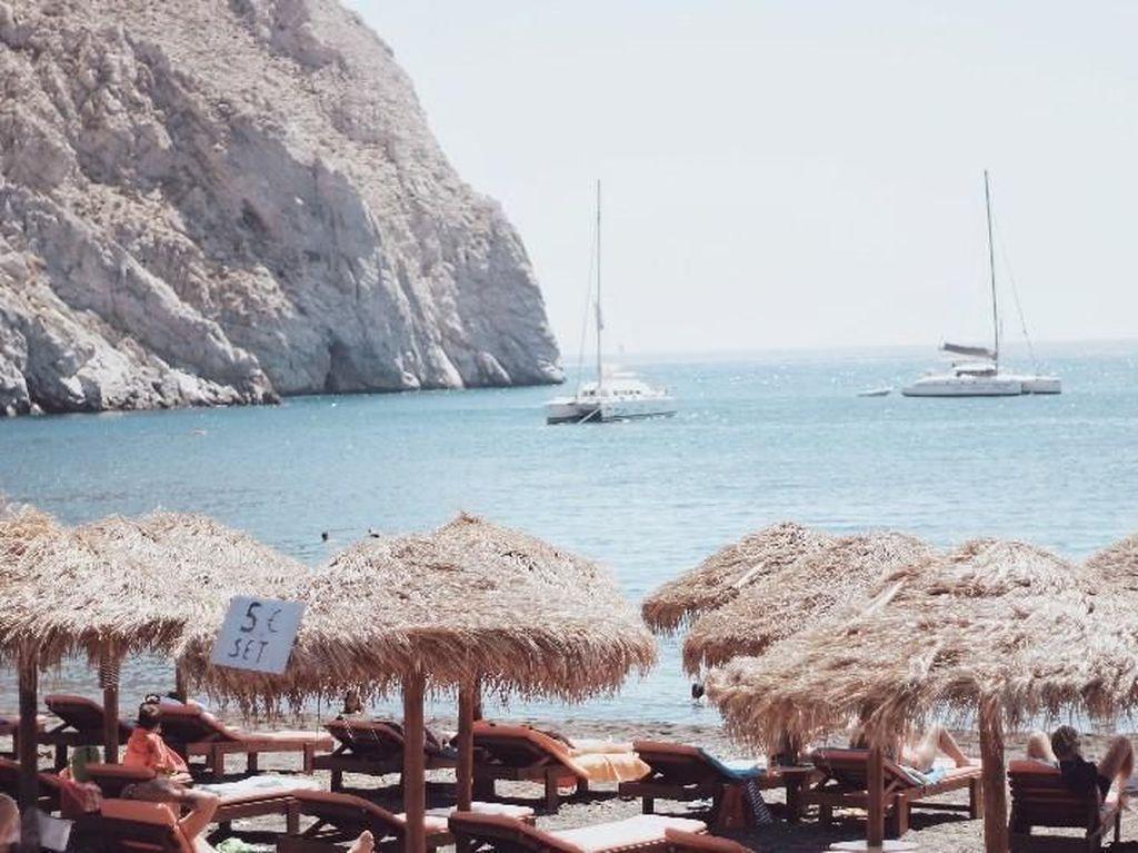 Oh... Santorini, Kenapa Kau begitu Indah?
