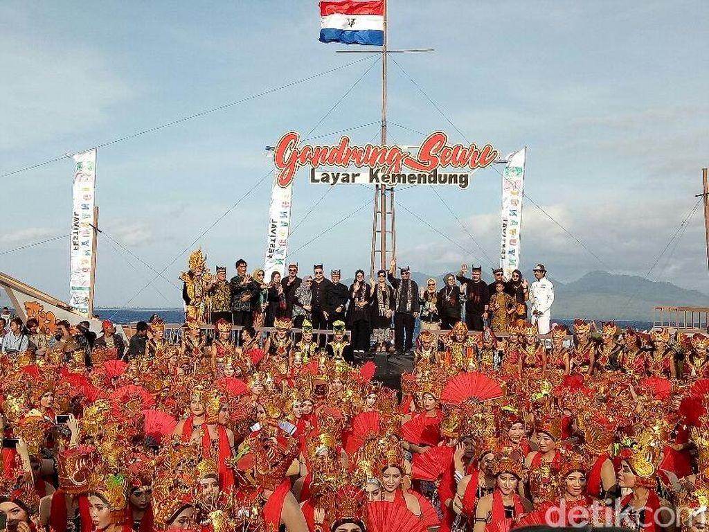 Pukau Ribuan Wisatawan, Festival Gandrung Sewu Banjir Pujian