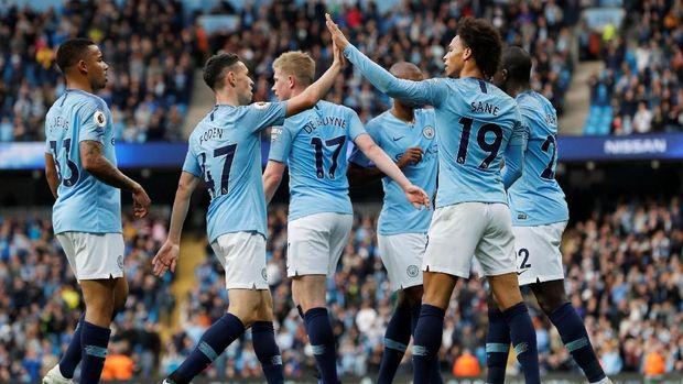 Manchester City berpeluang memperlebar jarak dengan Liverpool.