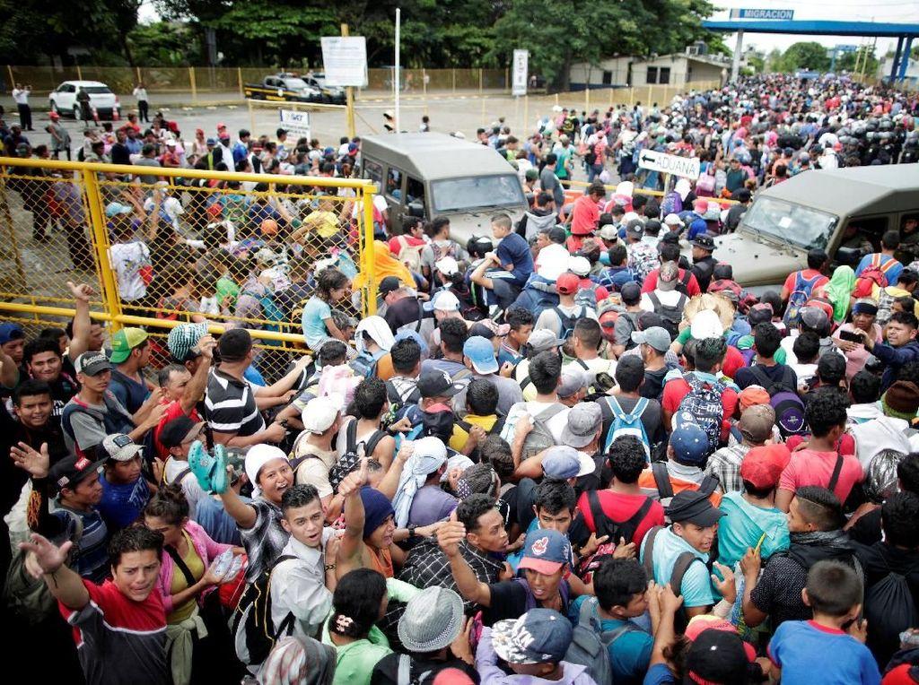 Hendak ke AS, Ratusan Imigran Honduras Terobos Perbatasan Meksiko
