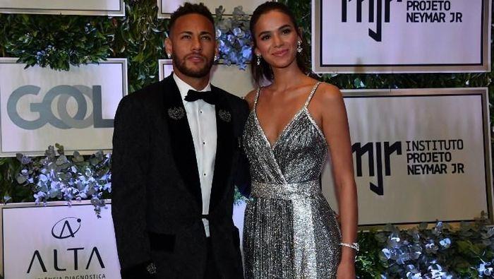 Neymar dan Bruna Marquezine pisah jalan. (Foto: NELSON ALMEIDA / AFP)
