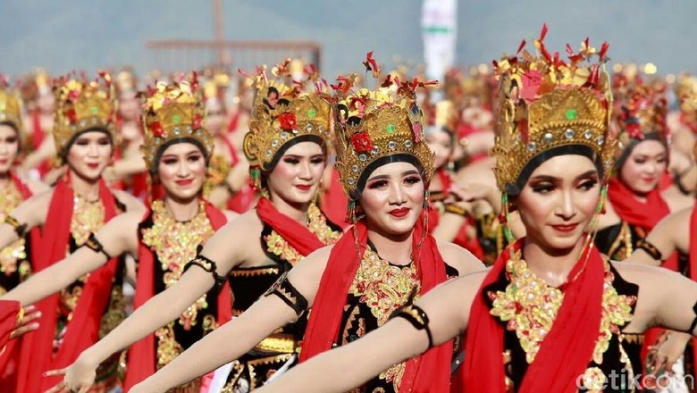 Foto: Tari Gandrung Sewu (Ardian Fanani/detikTravel)