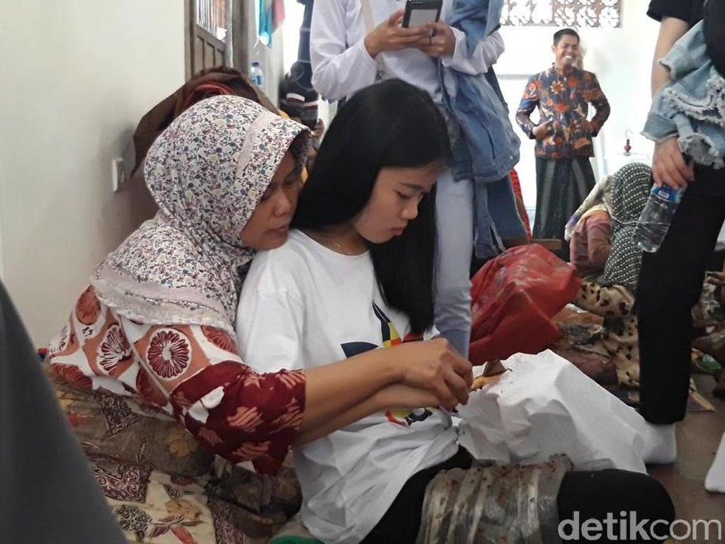 Foto: Mahasiswa Asing Membatik di Madura, Bagaimana Hasilnya?