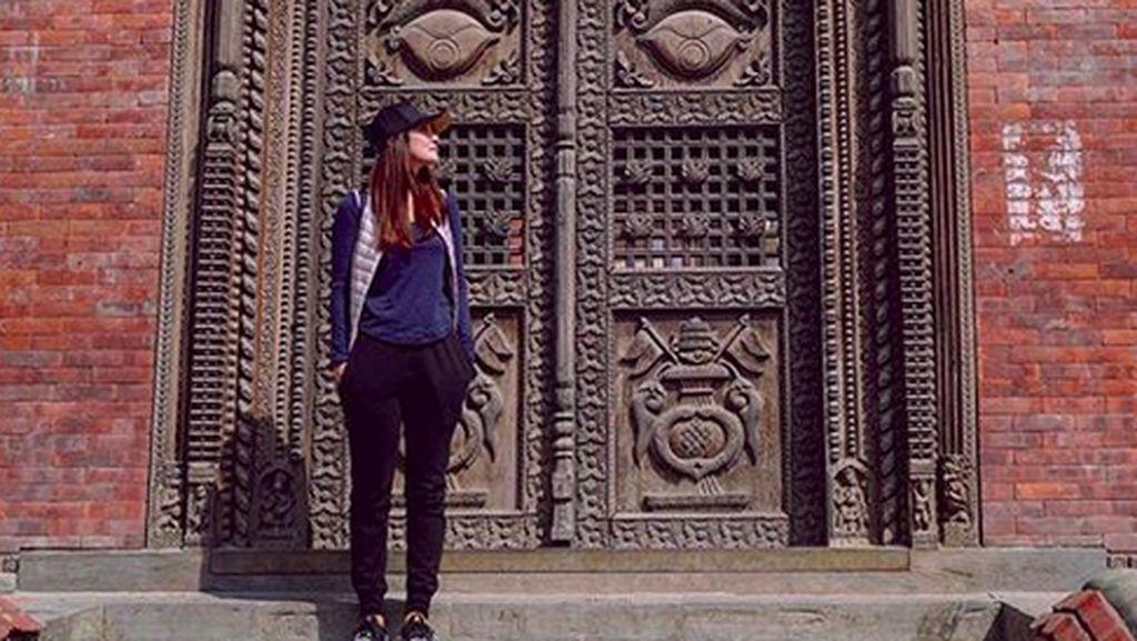 Namaste...Lihat Luna Maya Jalan-jalan di Nepal