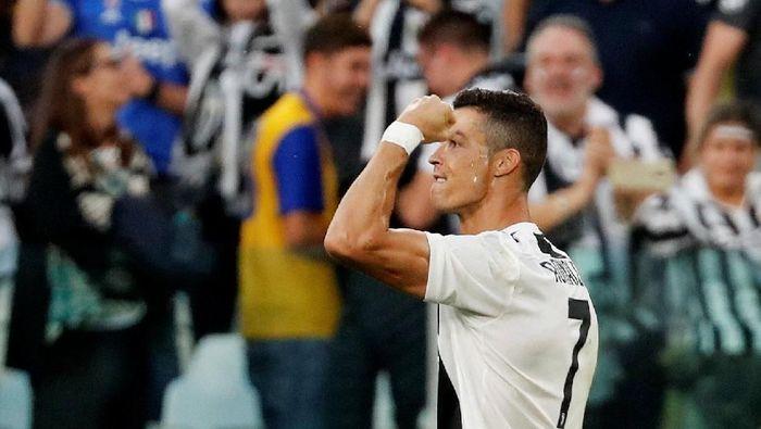 Cristiano Ronaldo sudah bikin 400 gol di liga top Eropa (Stefano Rellandini/Reuters)