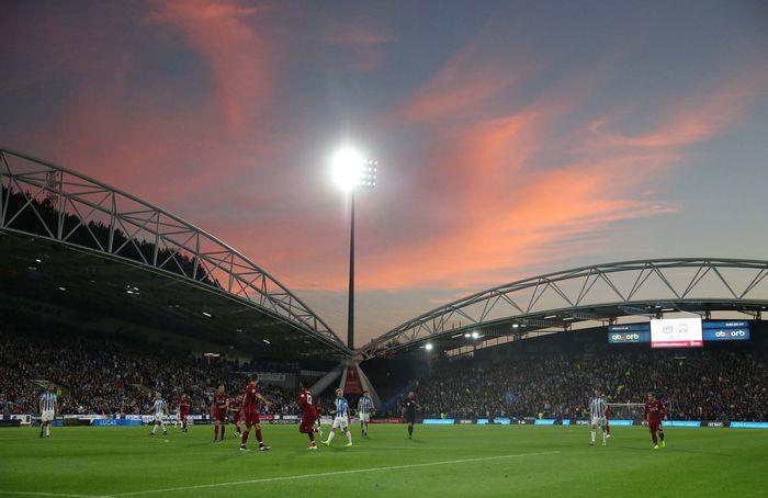 Laga pekan kesembilan antara Huddersfield Town vs Liverpool berlangsung di John Smiths stadium, Sabtu (20/10/2018) malam WIB. (Reuters/Hannah McKay).