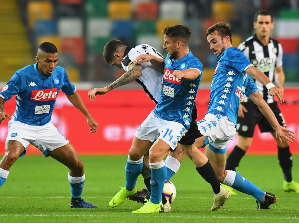 Hasil Liga Italia: Bungkam Udinese, Napoli Dekati Juventus