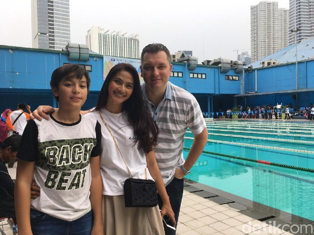 Penyandang Autis Bikin Maudy Zaenab Koesnaedi Terharu