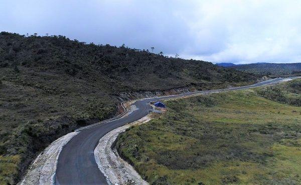 Sedangkan Trans Papua di Provinsi Papua yang sudah tersambung mencapai 2.907 km dari total panjang 3.259 km hingga akhir 2017. Istimewa/Kementerian PUPR.