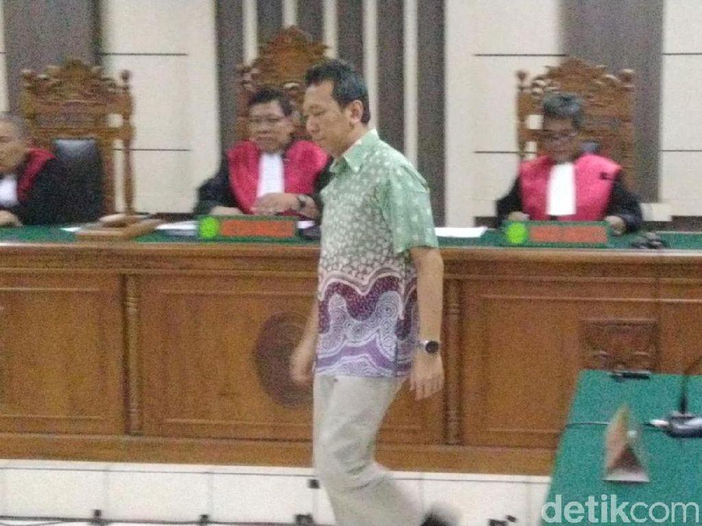 Terbukti Terima Suap, Bupati Kebumen Divonis 4 Tahun Penjara