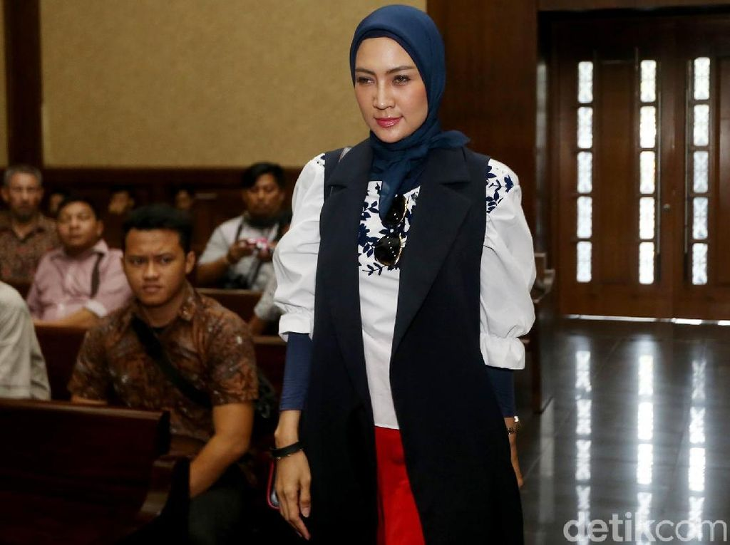Steffy Burase Kembali Dipanggil KPK