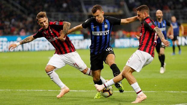 Kemenangan atas Milan membuat posisi Inter naik ke papan atas.