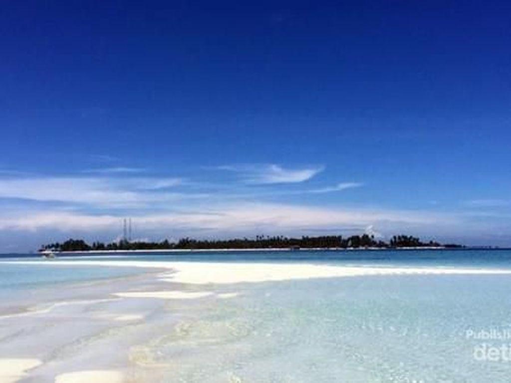 Pulau Ini Wajib Dikunjungi Saat ke Derawan