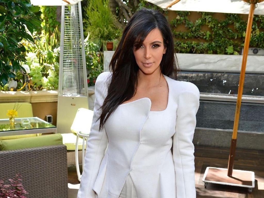Kim Kardashian Terciduk Lagi di Bali Nih!