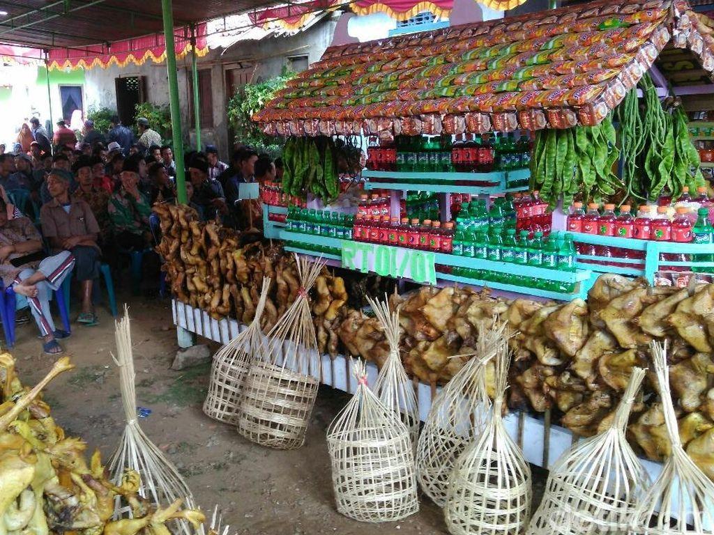 5.000 Ayam Panggang Disajikan Dalam Tradisi Lebaran Ayam di Purworejo