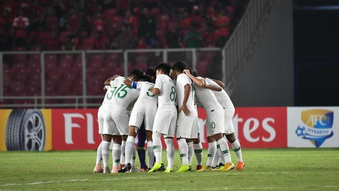 Timnas Indonesia U-19 melakoni laga hidup-mati kontra UEA pekan ini (Robertus Pudyanto/AFC)