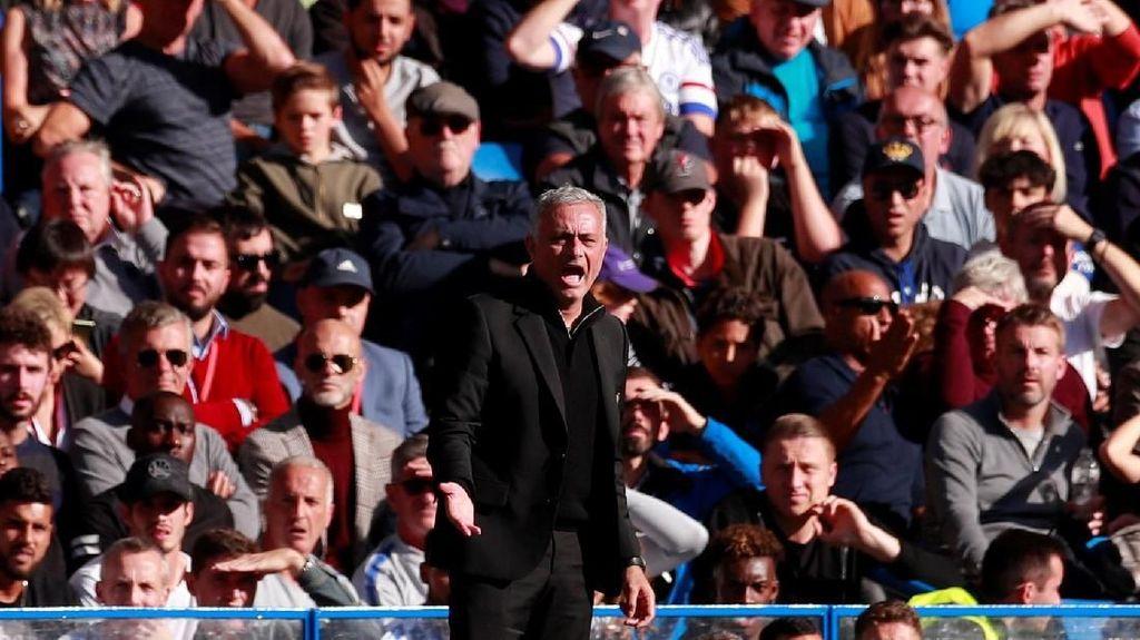 Mourinho Sedang Memburu Mata-Mata di MU