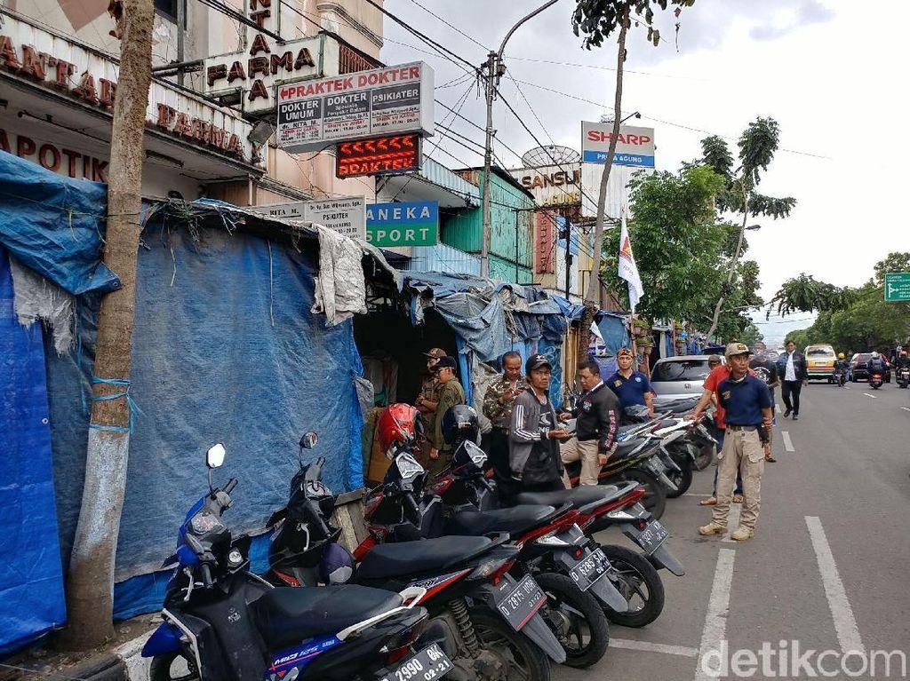 Ridwan Kamil Tunggu Solusi Pemkot Bandung Tata PKL Cicadas