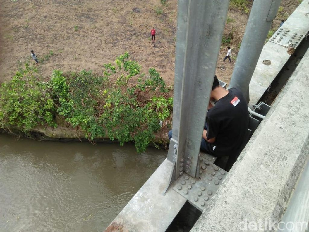 Pelajar di Blitar yang Diselamatkan Polisi Coba Bunuh Diri 3 Kali