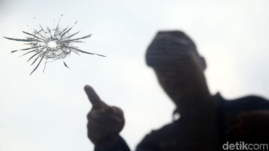 Polisi Uji Tembak Senjata di Mako Brimob