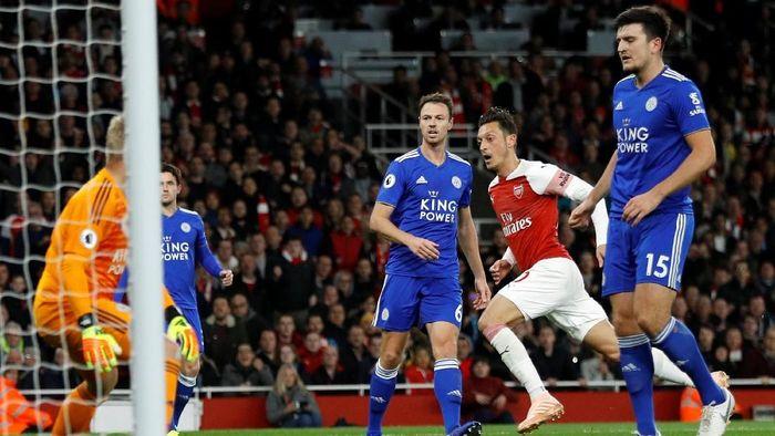 Arsenal vs Leicester City imbang 1-1 di babak pertama (Foto: Peter Nicholls/Reuters)