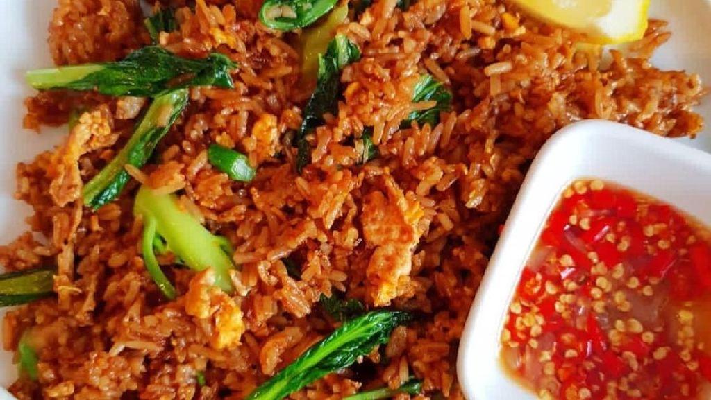 Biar Melek dan Segar, Sarapan Saja Nasi Goreng Pedas Enak Ini