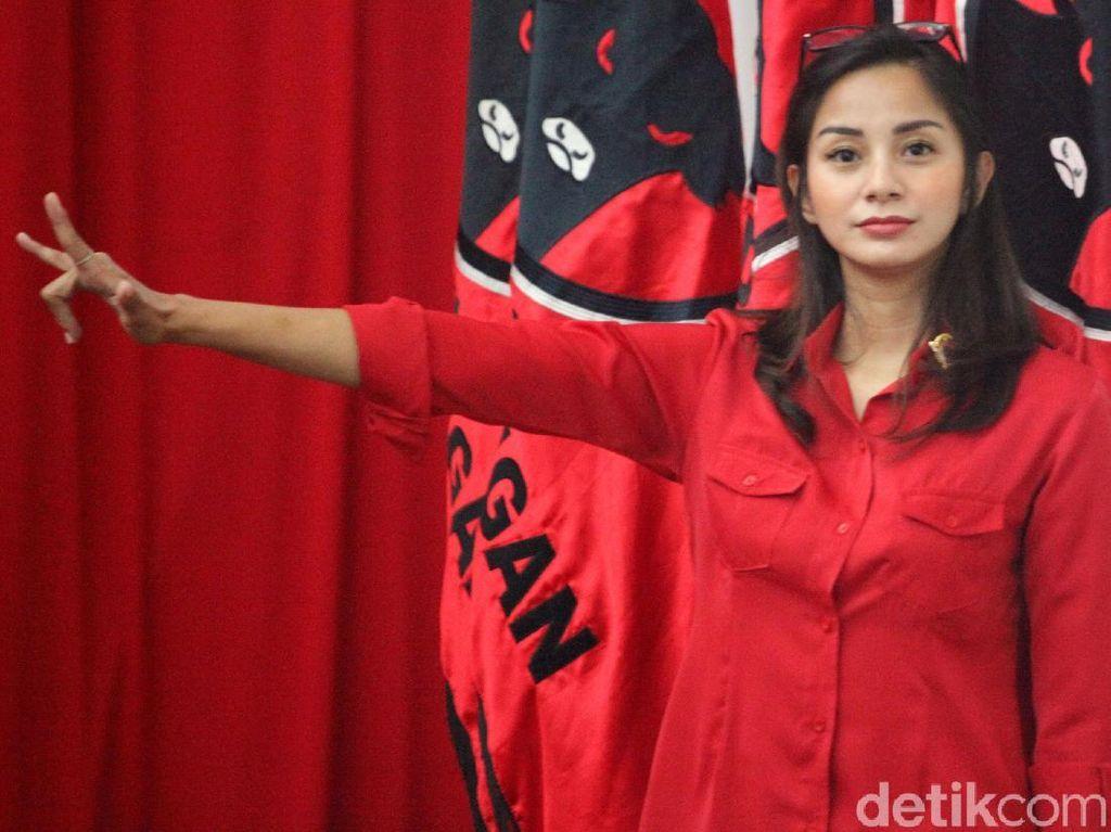 Fadli Zon Singgung Jokowi Dipatuk Mik, Kirana Larasati Terkikik