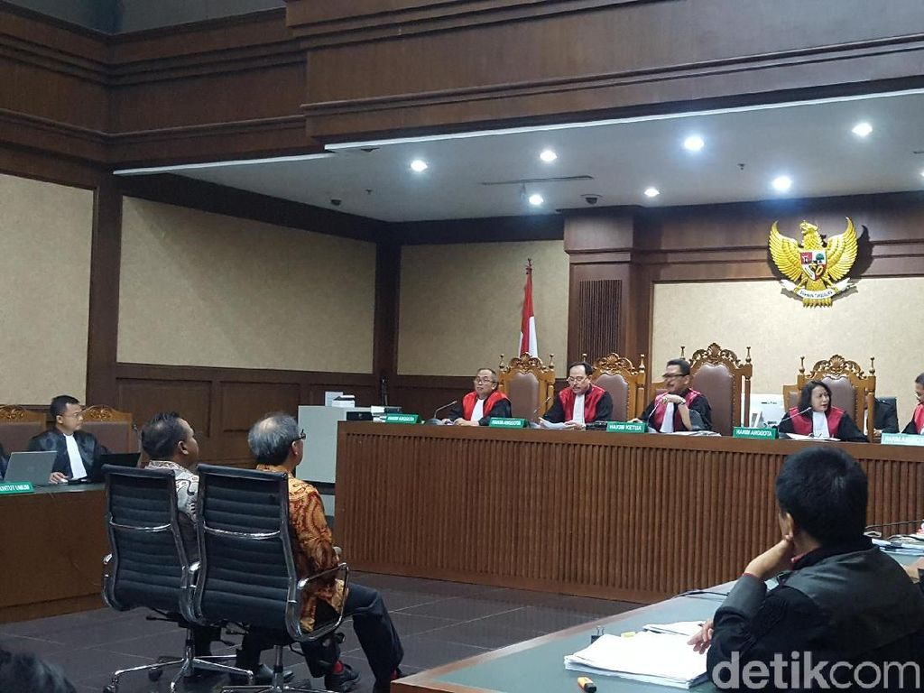 Terdakwa Kasus e-KTP Dicecar soal Pola Aliran Duit dari Luar Negeri