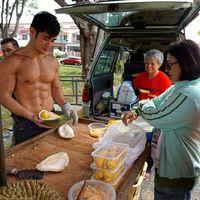 Pengakuan Pria Kekar yang Viral karena Jualan Durian, Syok dan Ketakutan