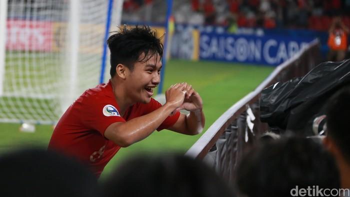 Timnas U-19 Indonesia menutup laga babak pertama versus UEA (Uni Emirat Arab) dengan skor 1-0. Witan Sulaeman membuat Indonesia unggul.