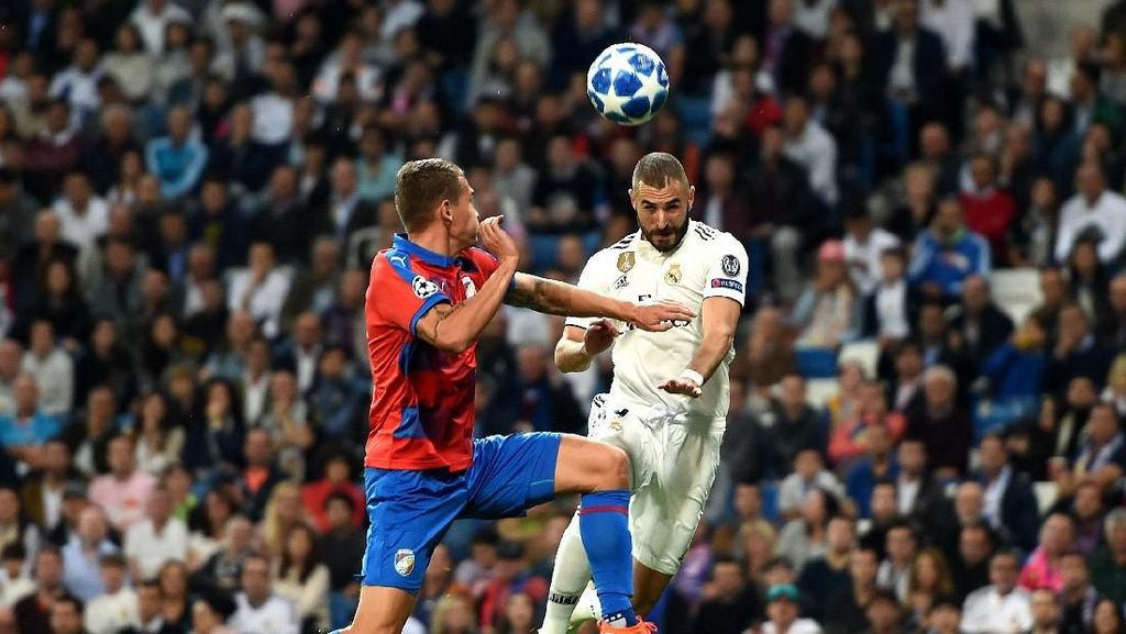 Sundulan Benzema Bawa Madrid Ungguli Plzen 1-0